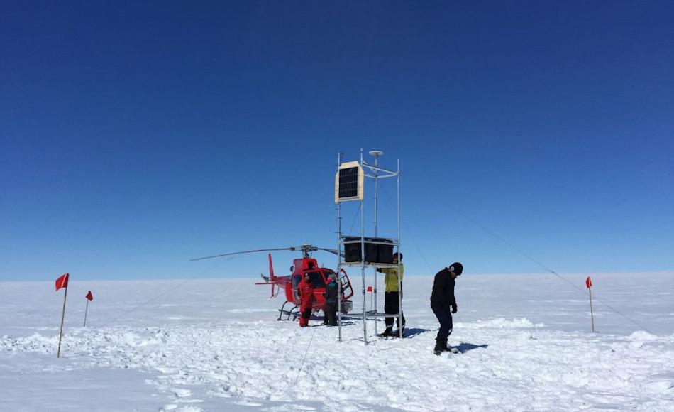 Ein Forscherteam aus Australien und den USA haben den ganzen Sommer auf der Totten-Gletscherzunge verbracht, um herauszufinden, was unter dem Eis liegt. Überraschenderweise fanden sie Ozean statt festen Boden. Bild: AAD / Ben Galton Fenzi