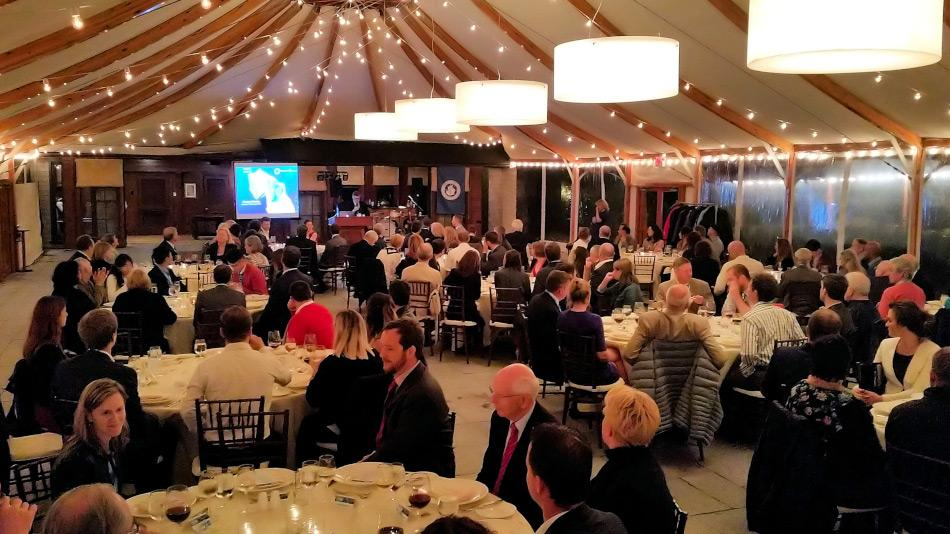 Neben den Tagesgeschäften und Diskussionsthemen hatte die Mitglieder auch die Zeit, den 25. Geburtstag der IAATO in Form eines Galadinners feierlich zu begehen. Bild: Michael Wenger