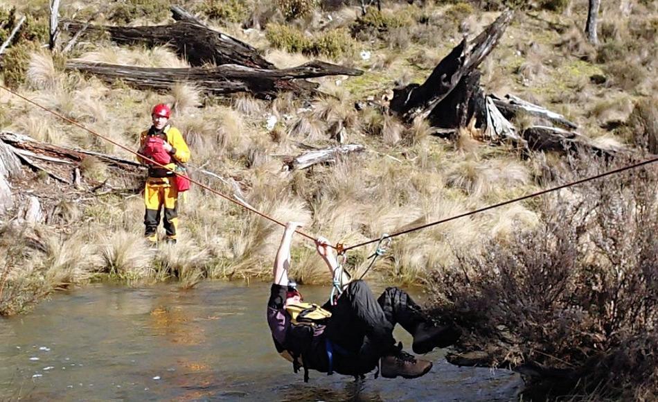 Neben den medizinischen Fähigkeiten trainierten die Teams auch Such- und Rettungsmissionen, um zu ihren Patienten zu gelangen. Bild: Elise Roberts