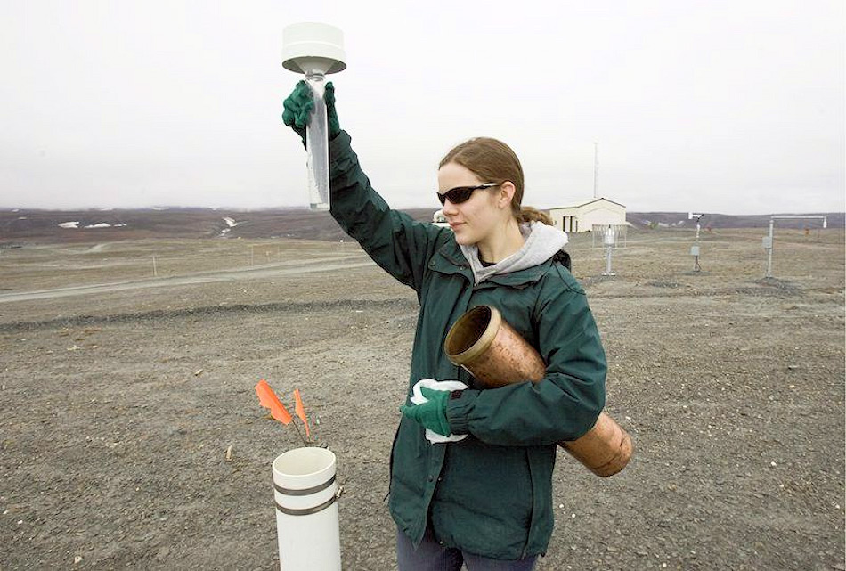 Oft wurden Studenten hochgeschickt, um die Wetterinstrumente zu kontrollieren und die Messungen gemäss Protokollen durchzuführen. Normalerweise waren es zwei, jetzt konnte nur einer gehen. Bild: Canadian Press