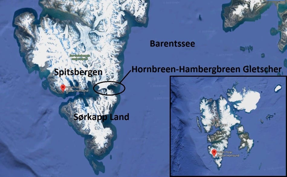 Sørkapp Land ist nur noch durch ein paar Kilometer Gletscher mit der Insel Spitzbergen verbunden. (Bild: Google Maps)