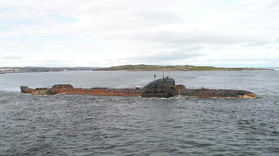 Die K-159 war ein Atom-U-Boot der sowjetischen und später der russischen Marine. 2003 sank das ausser Dienst gestellte Boot mit neun Besatzungsmitgliedern während des Schlepps zur Abwrackung. Das U-Boot liegt nun in 238 Meter Tiefe.