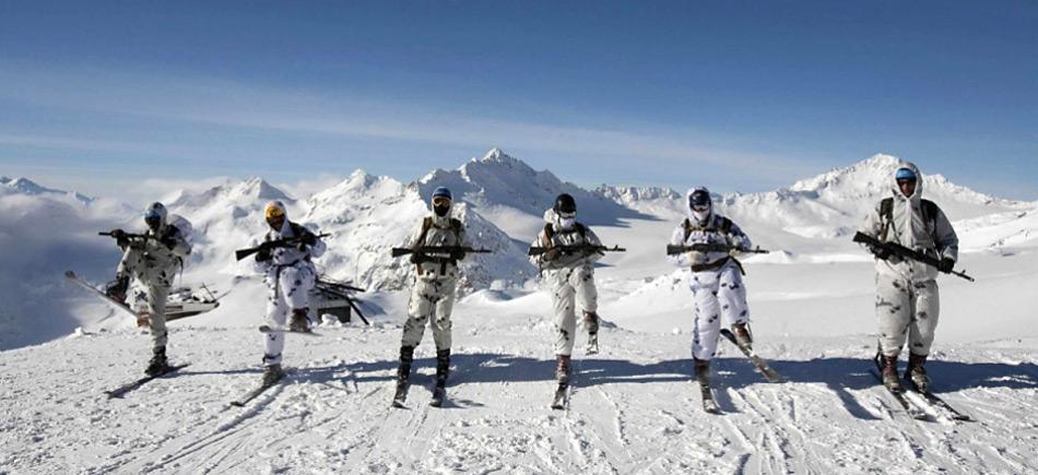 Die Truppen der Arktis-Brigaden sind auf die strengen klimatischen Verhältnisse trainiert.